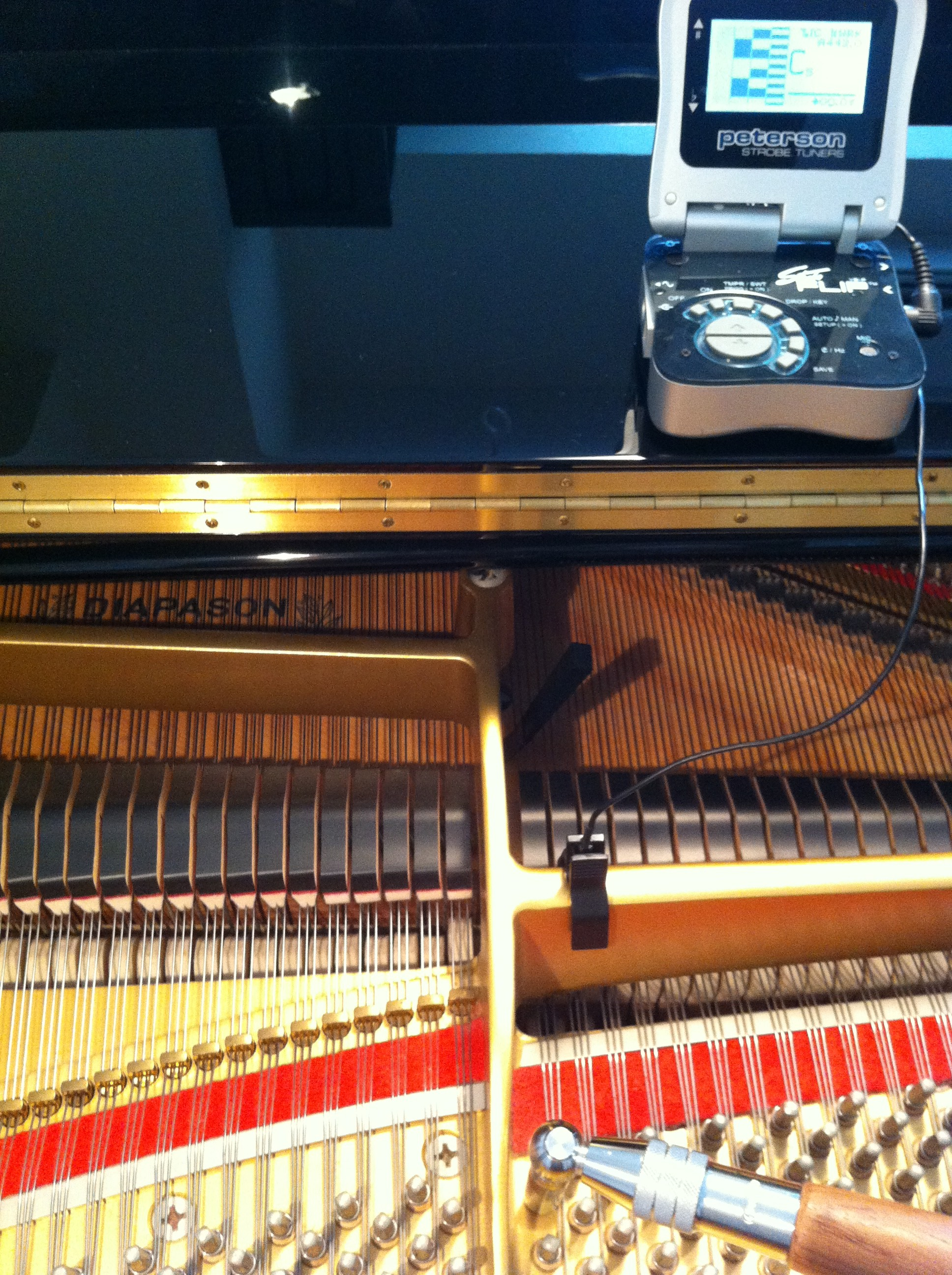 piano_and_tuner